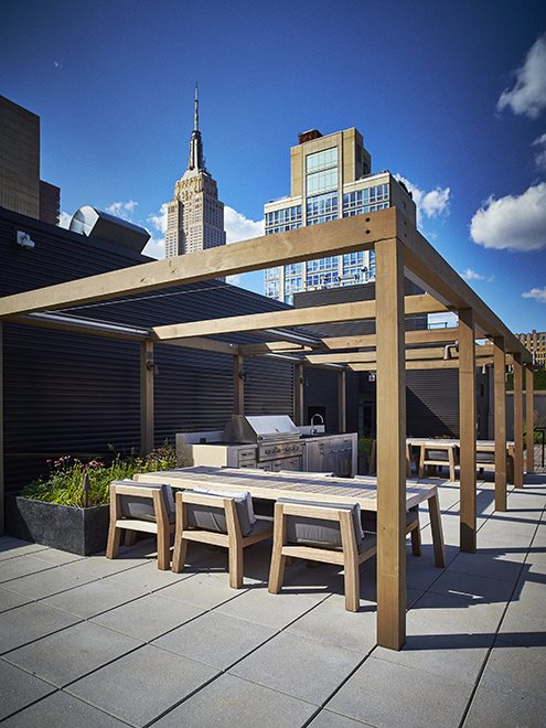 Outdoor kitchen on roof deck