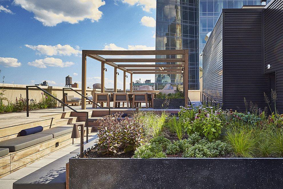 Landscaped roof deck