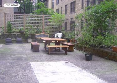 Common courtyard