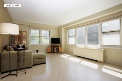 305 East 24th Street, 3R, Living/bedroom area