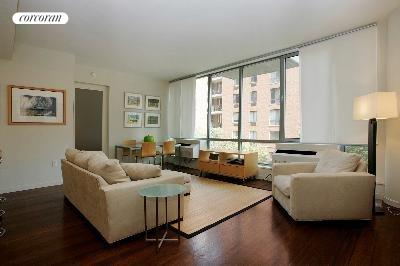 444 West 19th Street, 305, Living Room