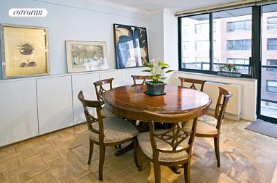510 East 80th Street, 10A, Living Room