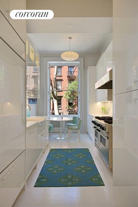 Custom designed Bilotta kitchen with dining area
