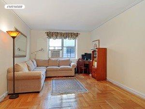 161 East 91st Street, 4H, Living Room