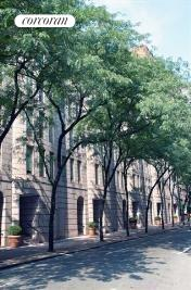 226 East 67th Street, B, Building Exterior