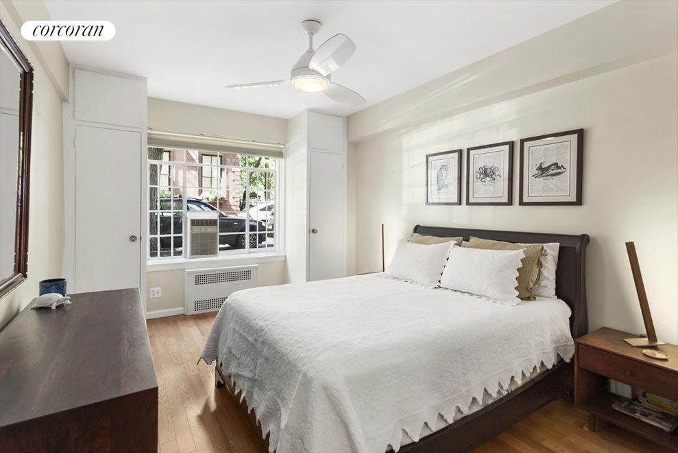 Spacious Bedroom with 4 Closets