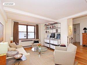 200 West 20th Street, 508, Living Room