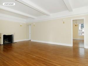 Large Living room w/WBFP