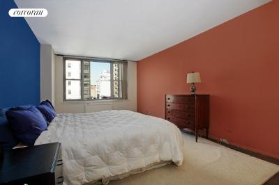 176 East 71st Street, 7C, Living Room