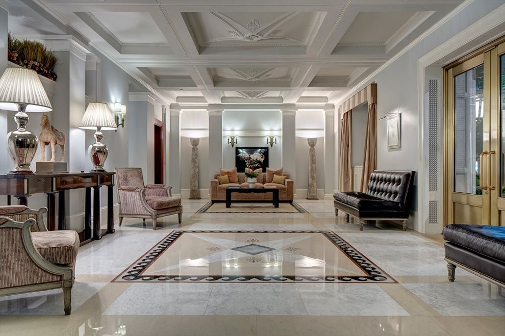 995 Fifth Avenue Lobby