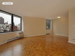 1641 Third Avenue, 14F, Living Room