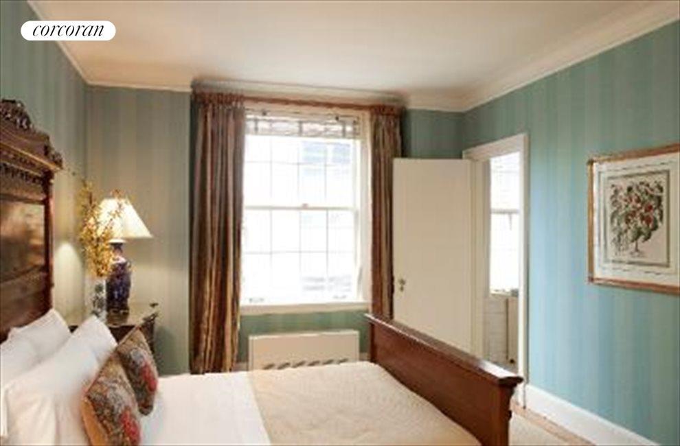 Bedroom, En-Suite Bath & Walk-in Closet