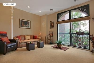 253 West 73rd Street, 5M, Living Room