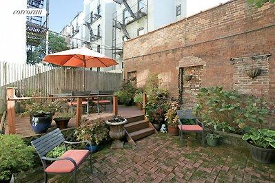 12 Lincoln Place, 2, Private garden w/raised wooden deck