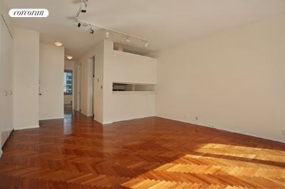 524 East 72nd Street, 23A, Large LR with River View