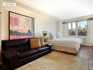 305 East 24th Street, 19B, Living Room
