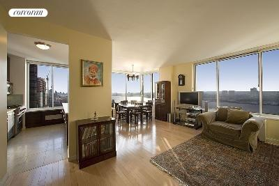 200 Riverside Blvd, 31A, Living Room