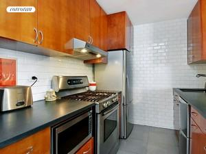 155 West 68th Street, 817, Dining Room