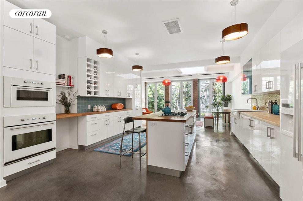 Sparkling, Modern Kitchen