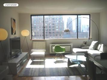 45 West 67th Street, 25C, Living Room