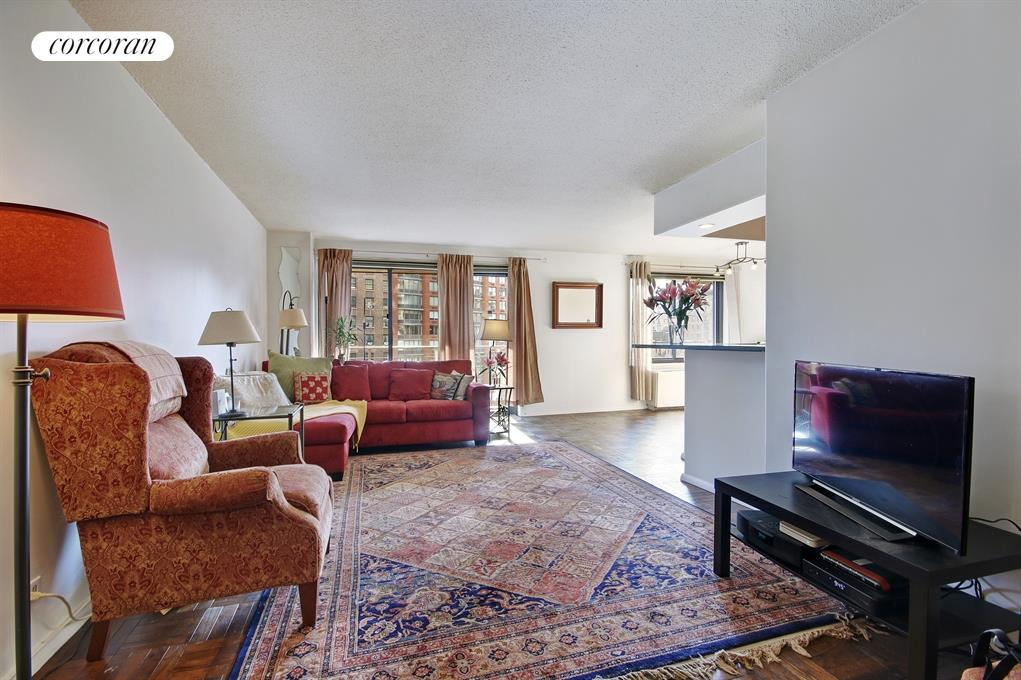 201 West 70th Street, 11F, Spacious Living Room