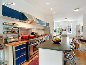 660 Henry Street, Kitchen