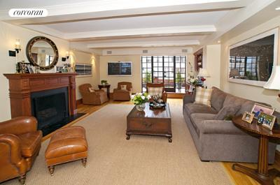 205 East 78th Street, 18D, Living Room