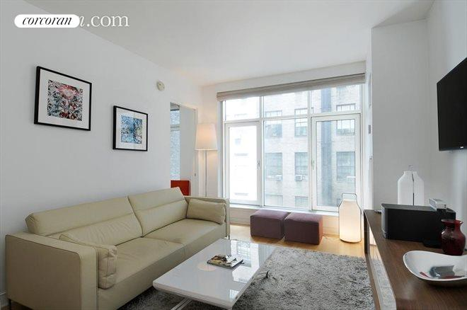 5 East 44th Street, 6b, Living Room