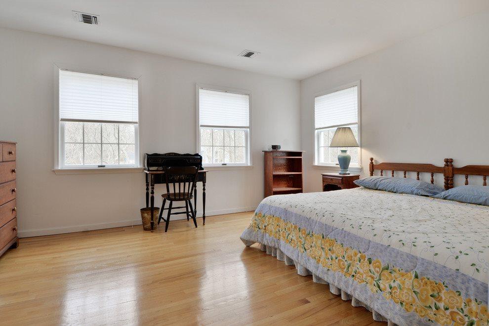 second floor guest bed