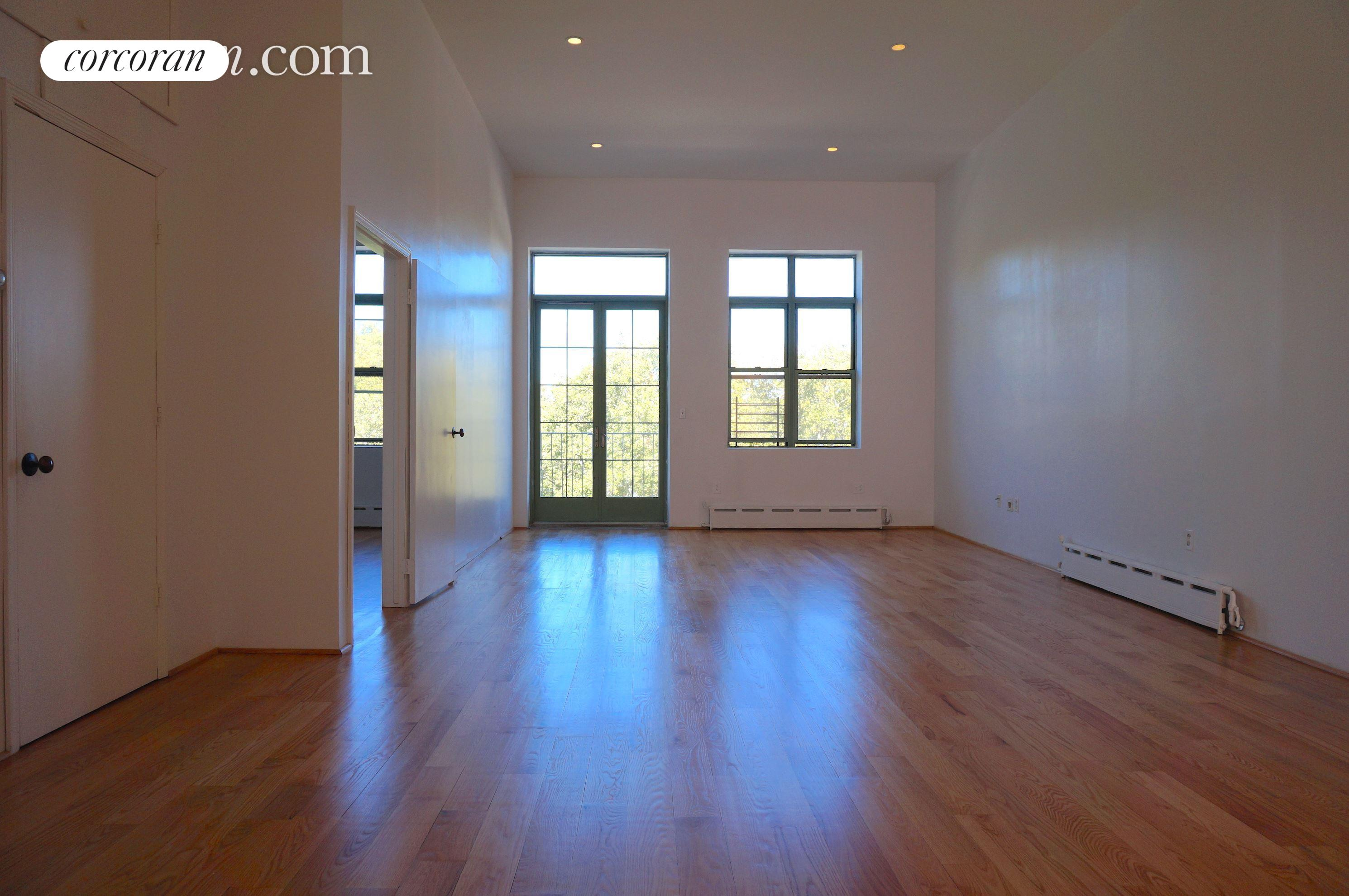 232 North 12th Street, 3FLR, Living Room