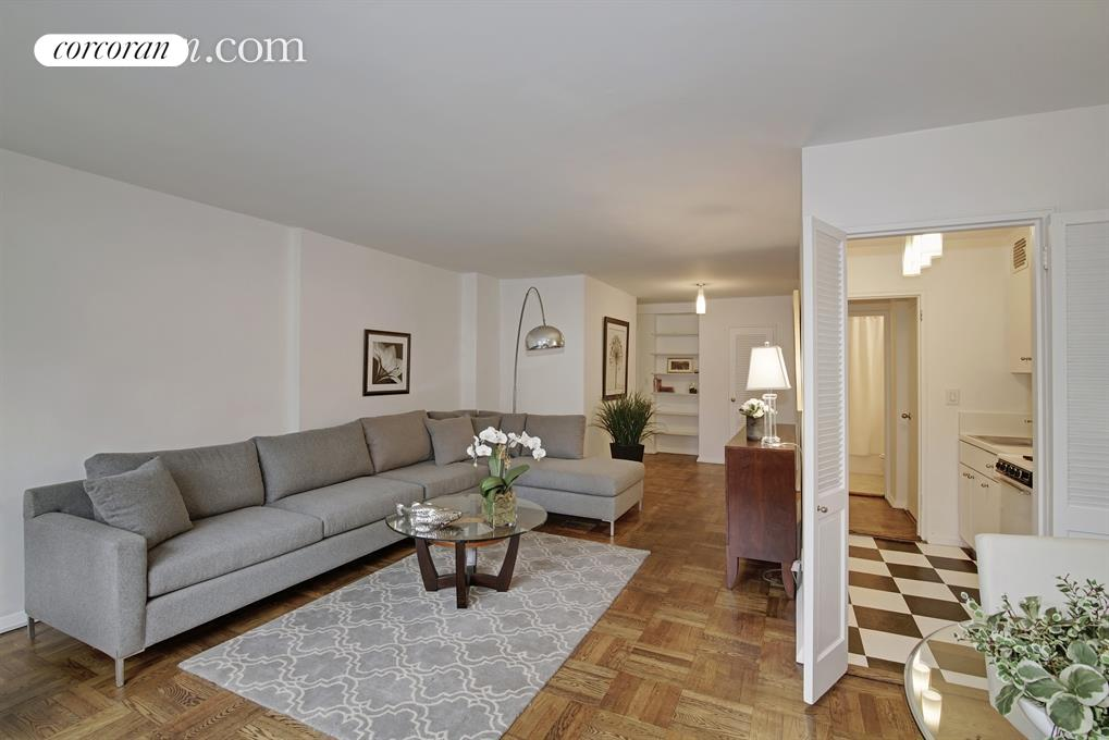345 East 52nd Street, 8A, Living Room