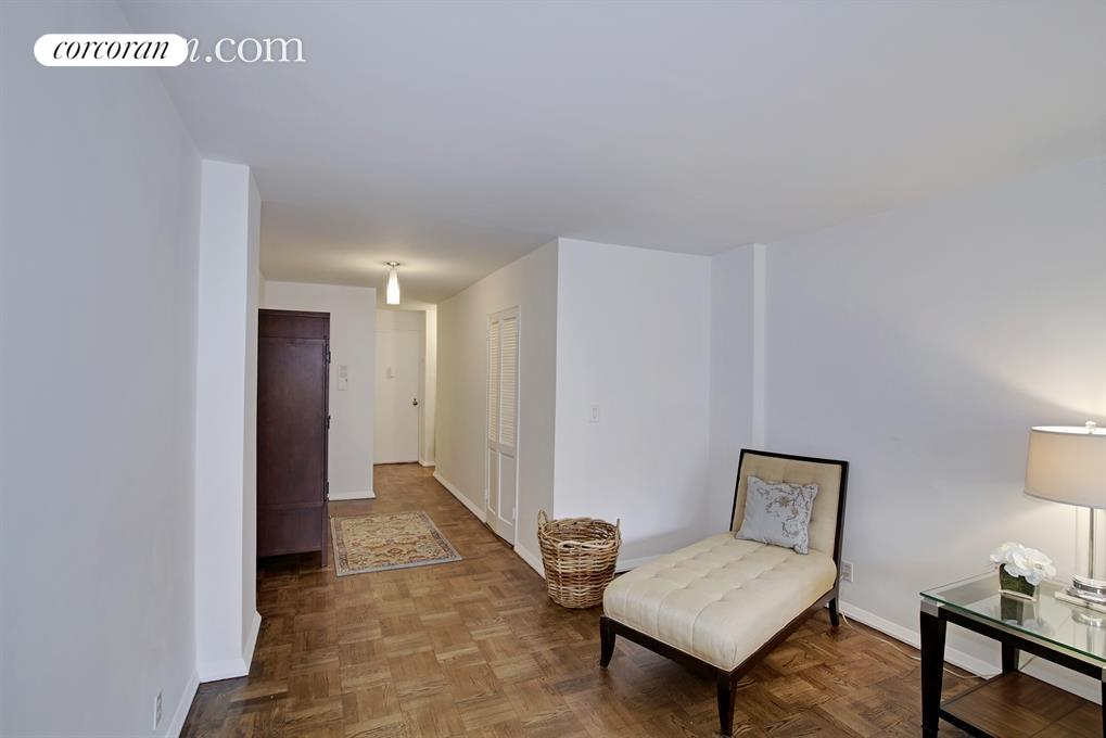 345 East 52nd Street, 8K, Bedroom