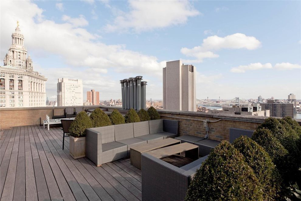 Landscaped roof deck with stunning views