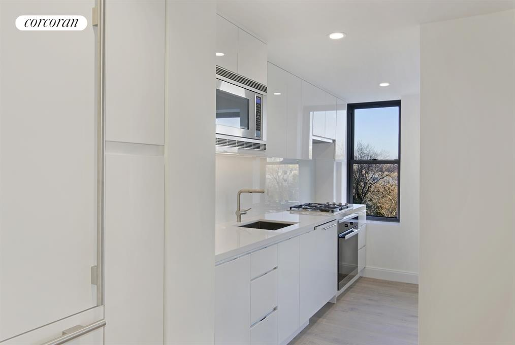 230 Riverside Drive, 7A, Kitchen