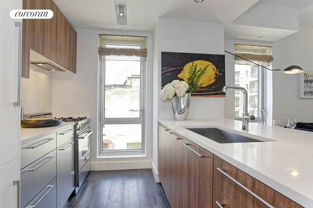 212 North 9th Street, 5D, Kitchen