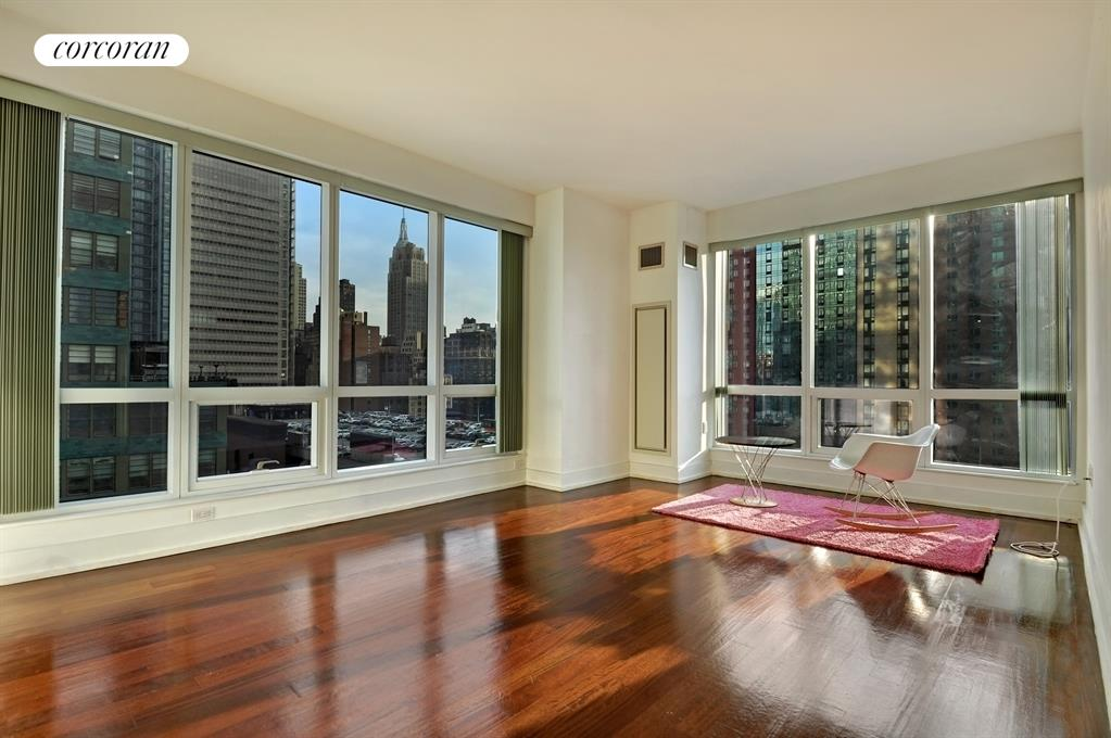 350 West 42nd Street, 16K, Living Room