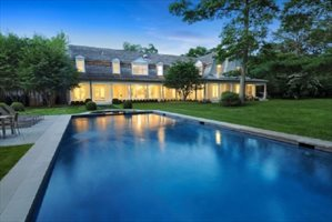 11 Jones Cove Road, East Hampton