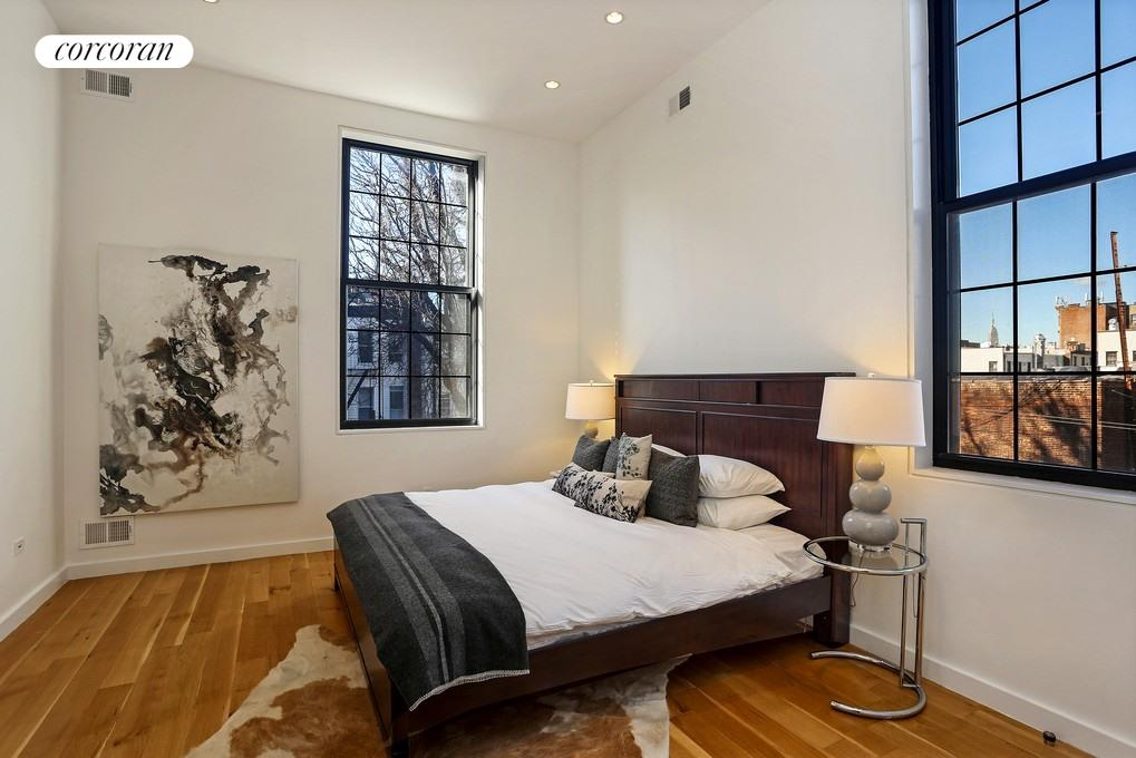 541 Leonard Street, B, Great Room