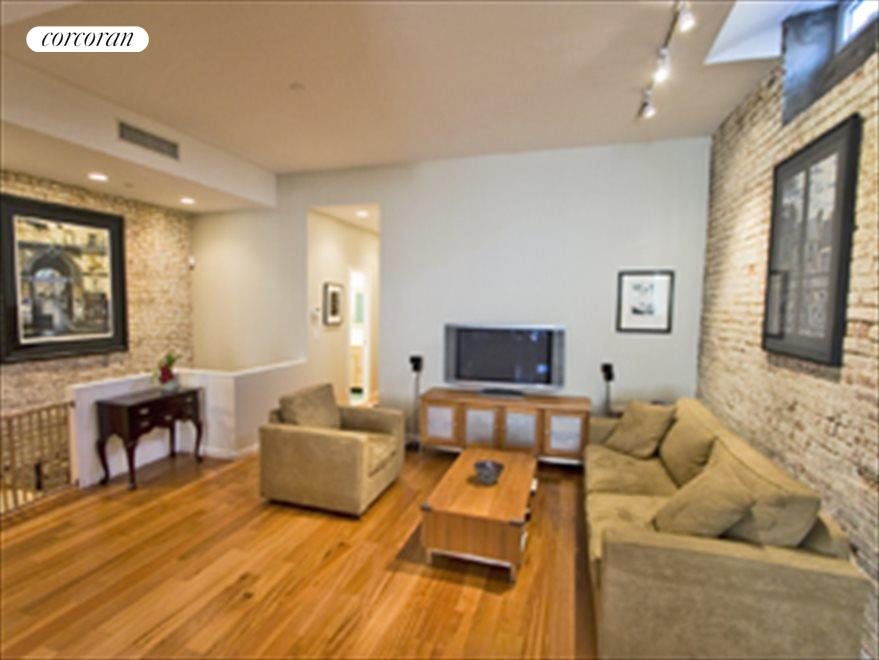 New York City Real Estate | View 692 Greenwich Street, #1 | room 3