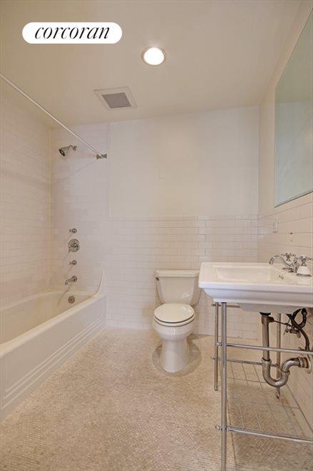 Large Renovated Bathroom