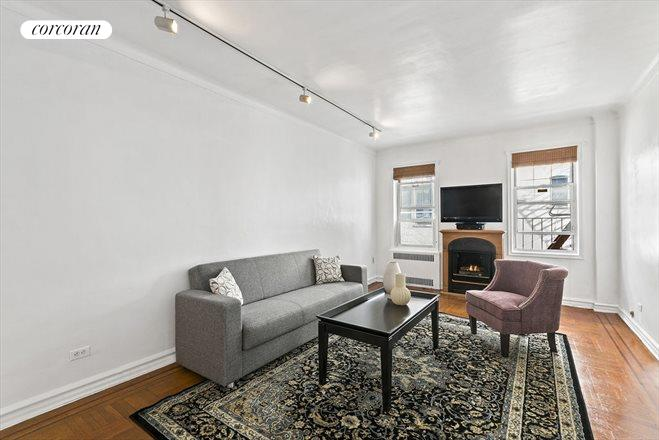 601 East 19th Street, 4H, Huge Living Room