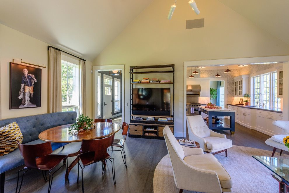 Living and casual dining