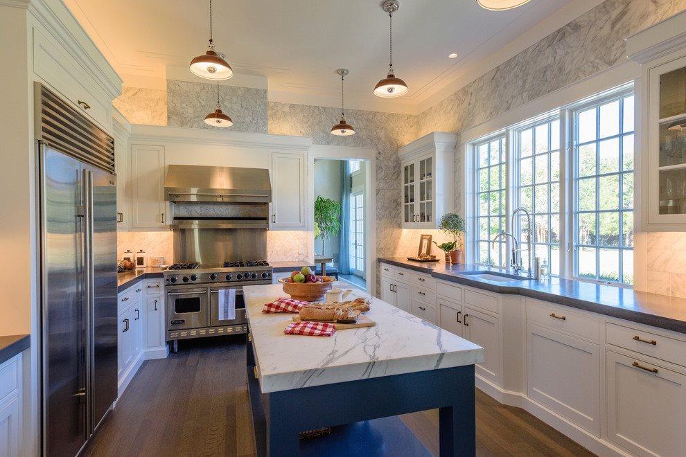 Stunning marble kitchen - a gourmet's dream!