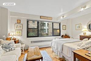 335 East 51st Street, Apt. 1H, Midtown East