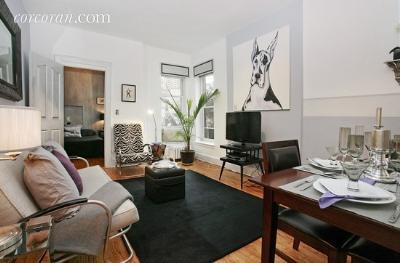 29 Willow Street, 3R, Living Room
