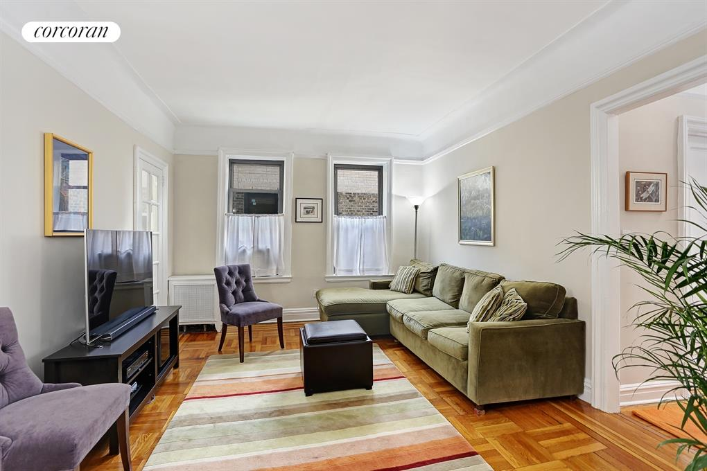 270 SEAMAN AVE, F8, Living Room