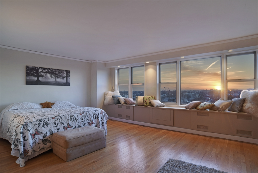 370 Ocean Parkway, 9F, Exceptional views from the minute you enter!