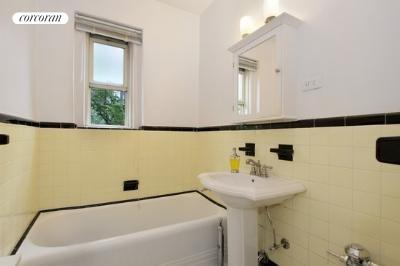 140 8th Avenue, 3O, Bathroom