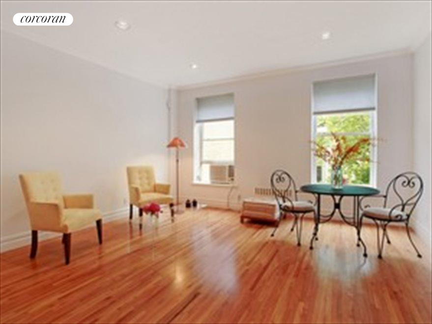 Fourth Floor Bedroom/Studio