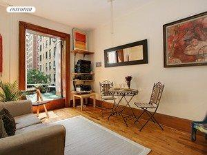 Living Room 86 Street corcoran, 278 west 86th street, apt. 4b, upper west side real